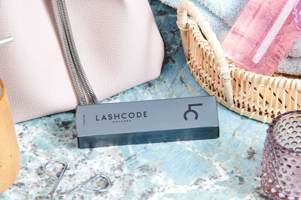 LASHCODE - mascara with lash conditioning properties