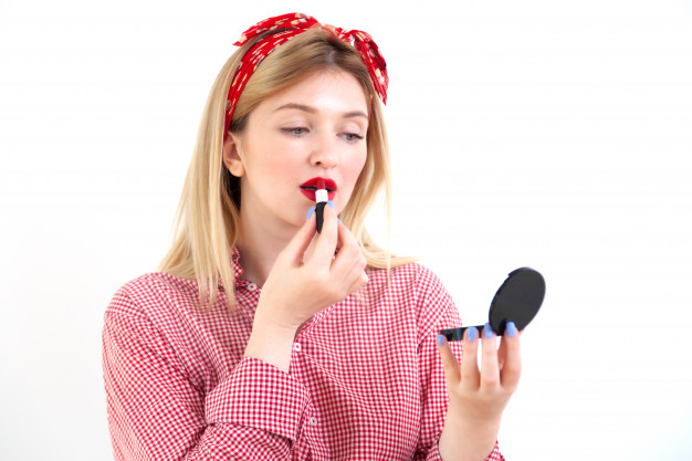 Smart Tricks to Improve Your Make-Up, Appearance, and Life!
